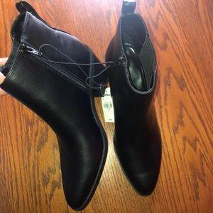Black booties 👢